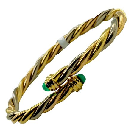 Cartier Paris Tri-Color Gold and Cabochon Emerald Bangle Bracelet For Sale at 1stDibs