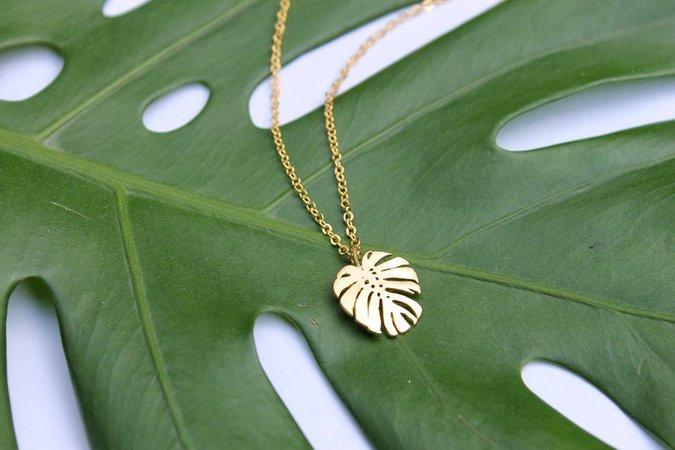 Monstera Leaf Necklace // Tropical Plant Necklace // Jungle | Etsy