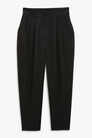 Paperbag style trousers - Black - Trousers - Monki WW