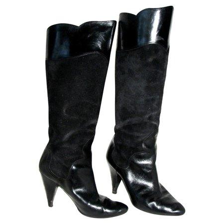 oscar-de-la-renta-black-suede-boots.jpg (1600×1600)
