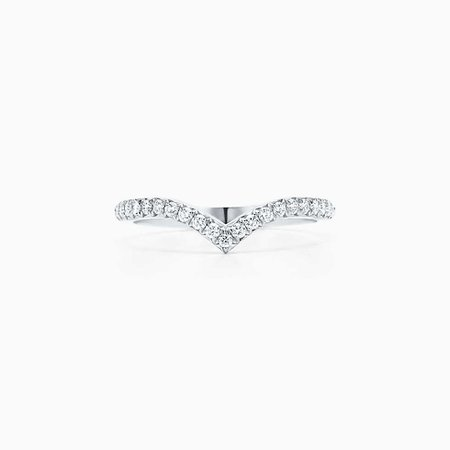 Elsa Peretti® curved band ring in platinum with diamonds. | Tiffany & Co.