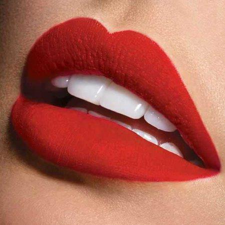 red lip