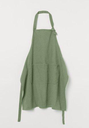 Grass apron