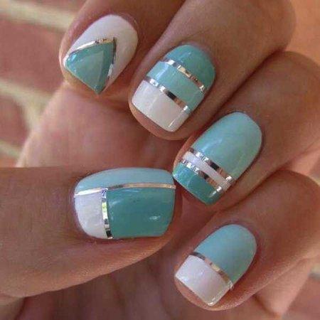 nail-art-designs-blue-and-white-1.jpg (600×600)