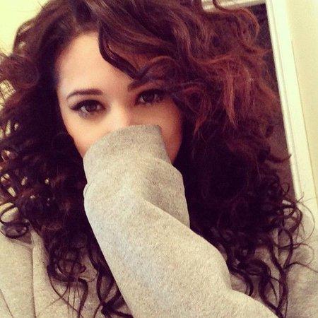 Damn Jasmine V is soo pretty either way straight or Curly! #Jealous # Jealously! | Jasmine V ~ pics | Hair, Curly hair styles, Jasmine villegas