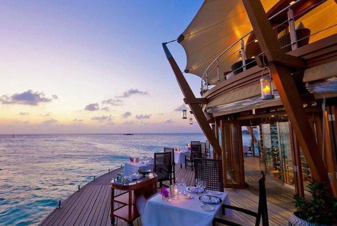 beachrestaurantsmainhp-barosmaldives.jpg (840×565)