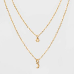 Women's layered gold necklace