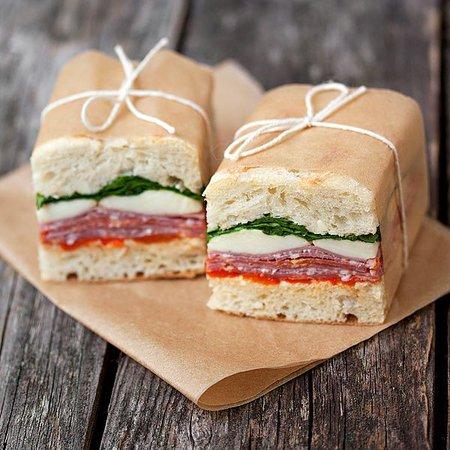 6325898465865bb39c54e124a66a81da--italian-sandwiches-picnic-sandwiches.jpg (600×600)