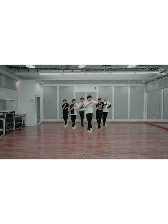 6IX-D Dance Practice