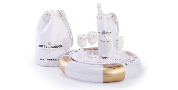 Moet-and-Chandon-floating-Champagne-bar.jpg (690×350)