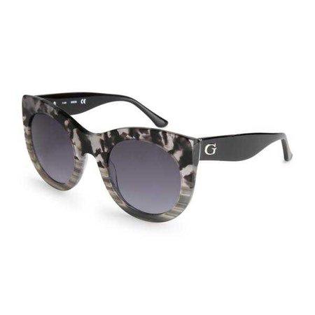 Sunglasses | Shop Women's Guess Grey Uv3 Sunglass at Fashiontage | GU7485_05C-266652