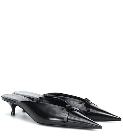 Knife patent leather mules