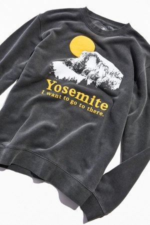 Yosemite National Park Puff Ink Pigment Dye Crew Neck Sweatshirt   Urban Outfitters