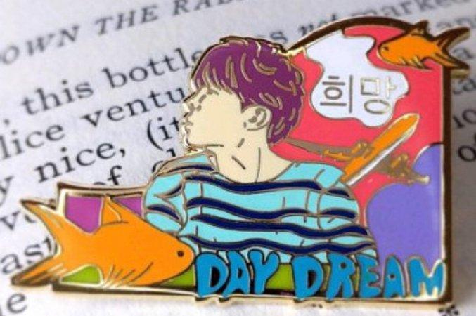 Daydream Pin