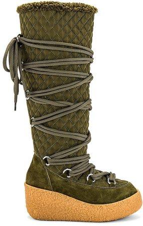 Camphor Boot