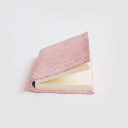 BOOK PINK