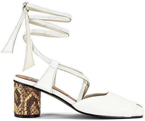 Open Toe Strap Sandals