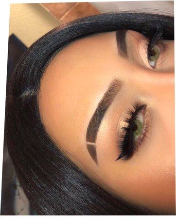 Eyebrow Slit