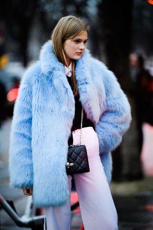 paris-haute-couture-ss19-street-style-tyler-joe-day-2-083-1548266212.jpg (768×1152)