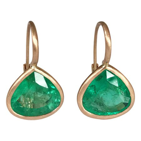 Dalben Pear Cut Emerald Rose Gold Earrings For Sale at 1stdibs