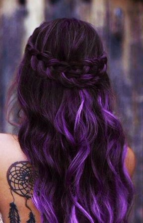 https://i.pinimg.com/736x/b6/9a/06/b69a0683a11ae25d4fd00da652f1a749--dark-ombre-purple-and-blue-ombre-hair.jpg