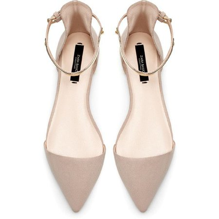 beige flat pointed shoes