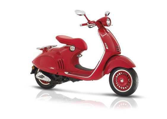 Vespa 946 RED Collectors Edition