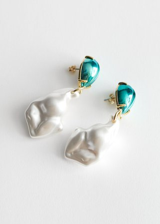 Chunky Pearl Pendant Earrings - Green, Gold - Drop earrings - & Other Stories