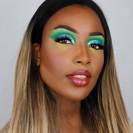 Me V The World Ultra Glossy Lip Gloss   ColourPop