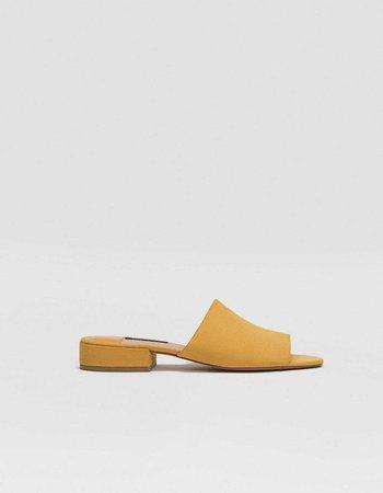 Mustard yellow slides - Shoes | Stradivarius Cyprus