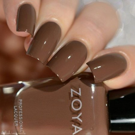 Soft Brown Nails