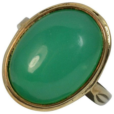 Natural Chrysoprase and 9 Carat Gold Statement Ring For Sale at 1stdibs