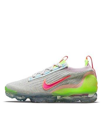 Nike Air Vapormax 2021 Flyknit sneakers in photon dust/hyper pink | ASOS