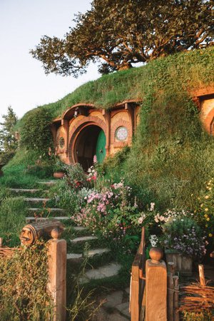 the shire the hobbit aesthetic