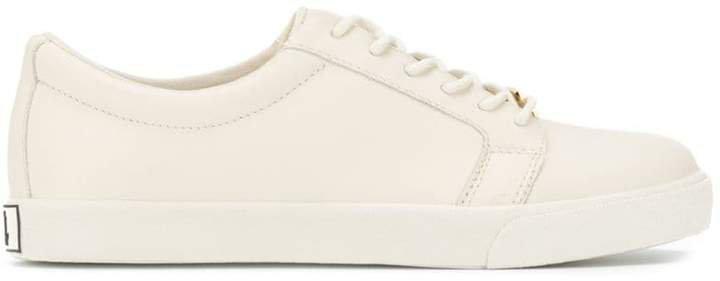 Reaba sneakers