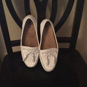 White Mountain Shoes   White All Leather Womens Moccasins Size 7   Poshmark