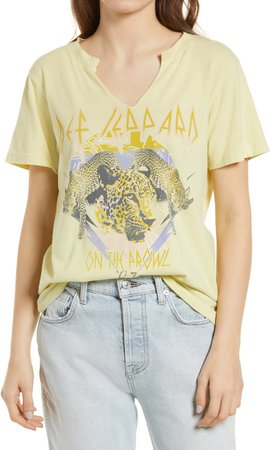 Def Leppard On the Prowl Graphic Tee