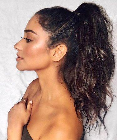 ♥️ Pinterest: DEBORAHPRAHA ♥️ Shay mitchell ponytail + braid and curls hair style | HAIR STYLES in 2019 | Hair, Pony…