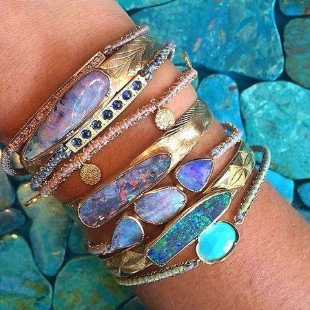 una bracelets