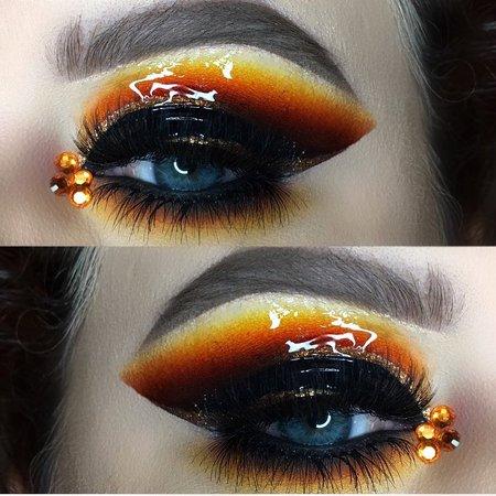 gloss smokey eye