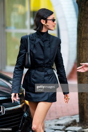 Bella Hadid is seen in Chinatown on October 09, 2019 in New York City. Photo d'actualité - Getty Images