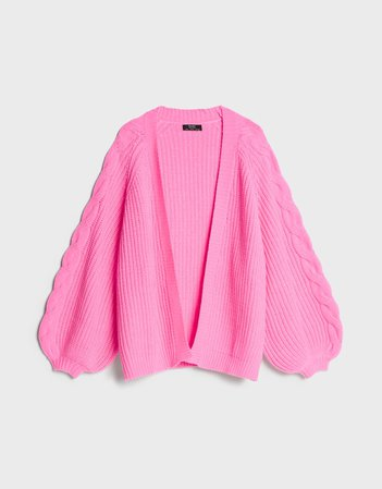 Oversize cardigan with cable-knit sleeves - Sweaters and Cardigans - Woman | Bershka