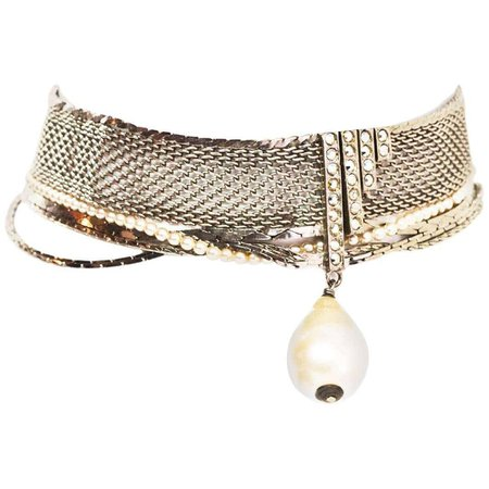 Chanel '90s Silvertone Mesh Choker Necklace w. Pearl Drop For Sale at 1stDibs