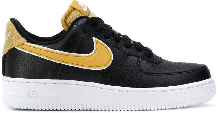 Force 1 '07 SE sneakers