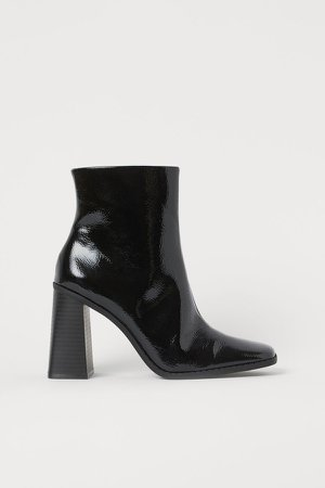 Block-heeled Ankle Boots - Black