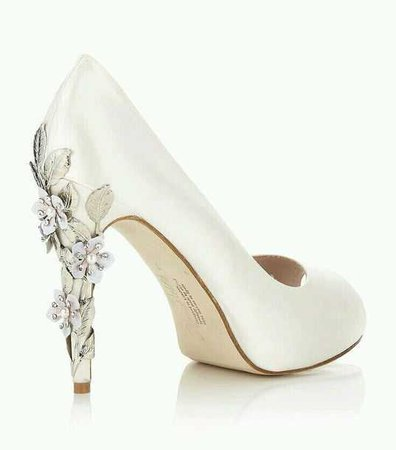 shoes, white, heels, pumps, white pumps, flower heels, flower high heels, silver flowers, peep toe, ivory, ivory flowers, off-white, beige - Wheretoget