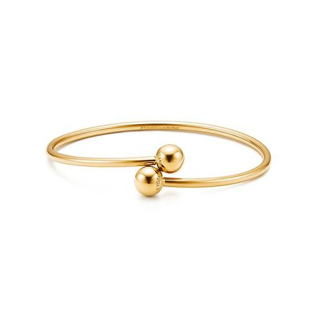 Tiffany HardWear ball bypass bracelet in 18k gold, medium.   Tiffany & Co.