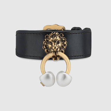 GUCCI Leather Bracelet With Lion Head.