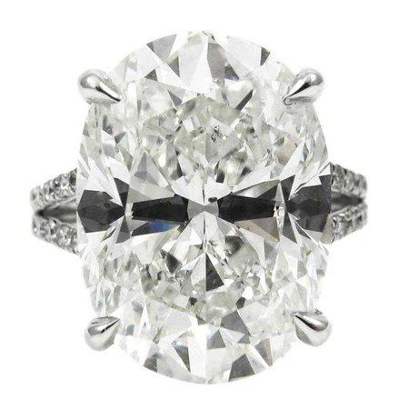 10 Carat - Engagement Ring
