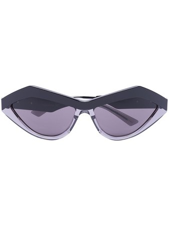 Bottega Veneta Eyewear angular cat-eye frame sungalsses black BV1055S - Farfetch